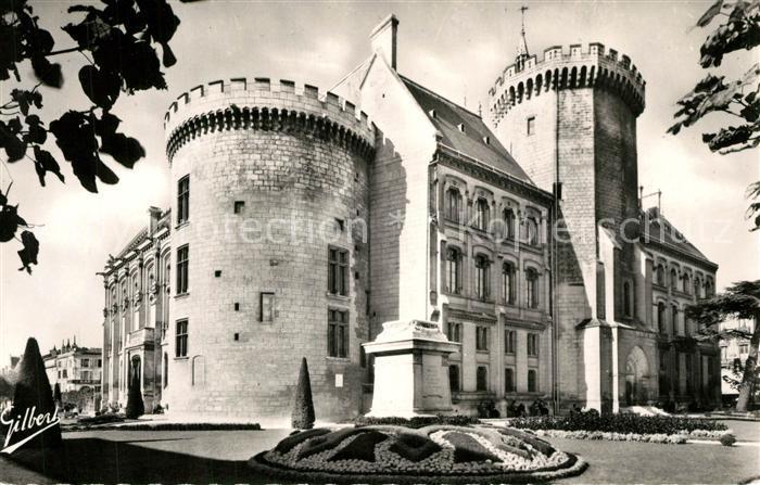 AK / Ansichtskarte Angouleme Hotel de Ville Tour Marguerite de Valois Angouleme