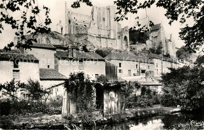 AK / Ansichtskarte Chauvigny Ruines du Chateau Baronnial  Chauvigny
