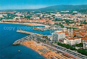 AK / Ansichtskarte Saint Raphael_Var La plage le port et Frejus Plage Vue aerienne Saint Raphael Var