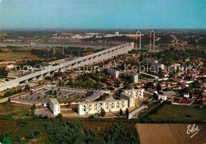 AK / Ansichtskarte Bordeaux Le nouveau Pont Suspendu sur la Garonne Vue aerienne Bordeaux