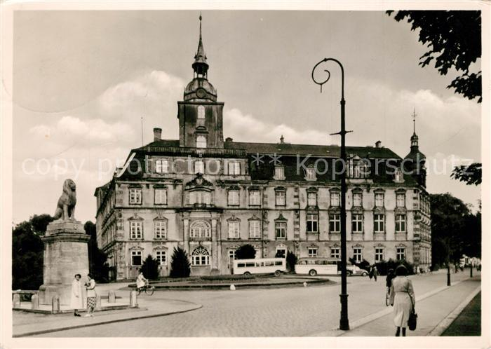 AK / Ansichtskarte Oldenburg_Niedersachsen Schloss mit 91er Denkmal Oldenburg Niedersachsen