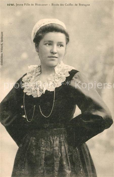 AK / Ansichtskarte Huelgoat Jeune fille Etude des Coiffes de Bretagne Costumes Trachten Huelgoat