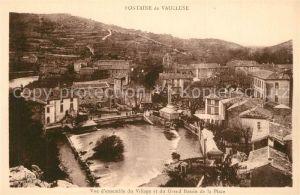 AK / Ansichtskarte Fontaine de Vaucluse Vue d ensemble du Village et du Grand Bassin de la Place Fontaine de Vaucluse