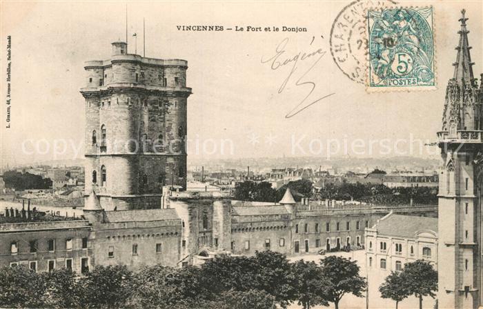 AK / Ansichtskarte Vincennes Le Fort et le Donjon Vincennes