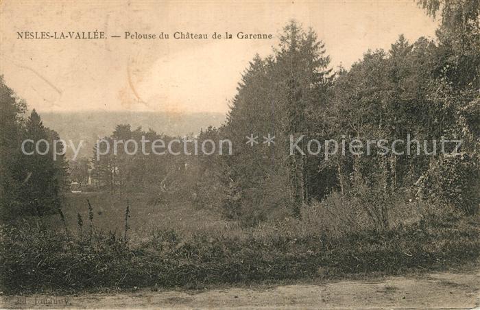 AK / Ansichtskarte Nesles la Vallee Pelouse du Chateau de la Garenne Nesles la Vallee
