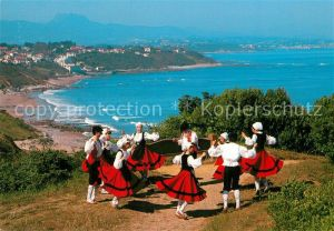 AK / Ansichtskarte Bidart Danse folklorique du Pays Basque Folkloretanz Baskenland Trachten Bidart
