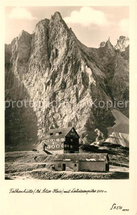 AK / Ansichtskarte Falkenhuette Berghuette mit Lalidererspitze Karwendel Falkenhuette