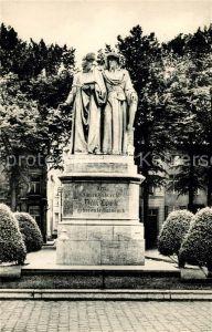 AK / Ansichtskarte Maaseik Standbeeld van Jan en Hubert Van Eyck Denkmal Statuen Maaseik