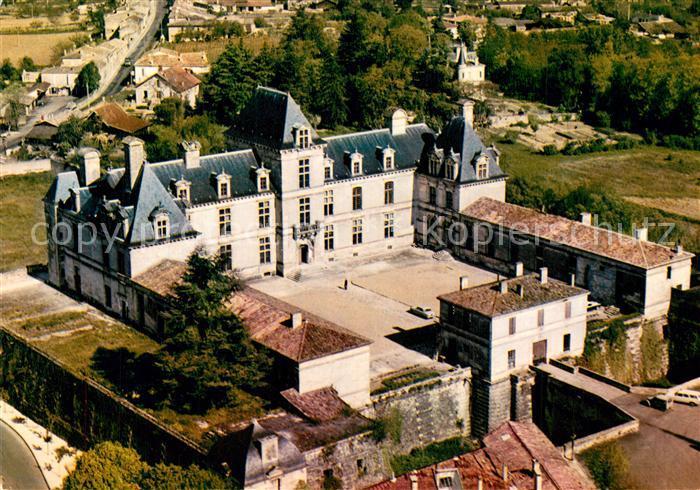 AK / Ansichtskarte Cadillac_sur_Garonne Fliegeraufnahme Chateau des Ducs d`Epernon Cadillac_sur_Garonne