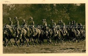 AK / Ansichtskarte Militaria_Wehrmacht Stahlhelm Kavallerie Reichswehr Militaria Wehrmacht
