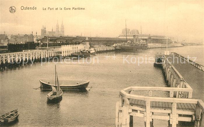 AK / Ansichtskarte Ostende_Oostende Le Port et la Gare Maritime Bateaux