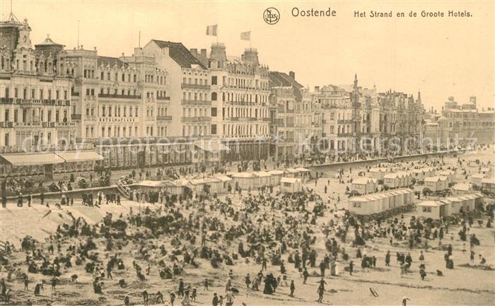 AK / Ansichtskarte Oostende_Ostende Het Strand en de Groote Hotels Plage Grand Hotels