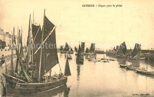AK / Ansichtskarte Ostende_Oostende Depart pour la peche Fischerhafen Fischerboote