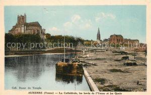 AK / Ansichtskarte Auxerre La Cathedrale les bords de l'Yonne et les Quais Auxerre