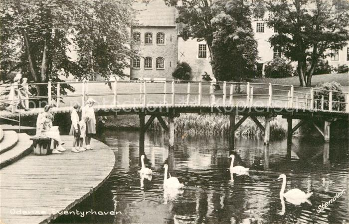 AK / Ansichtskarte Odense Eventyhaven Schwaene Odense 0