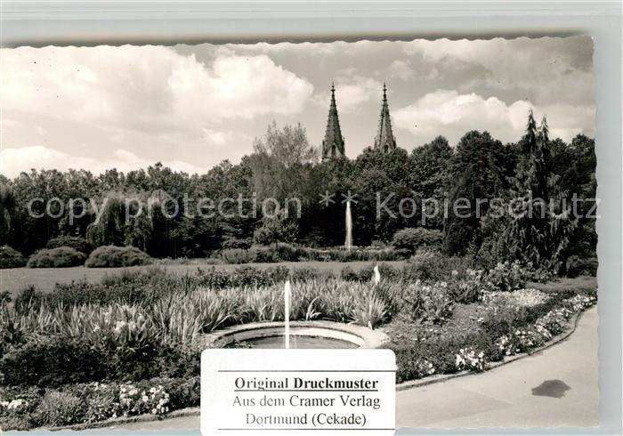 AK / Ansichtskarte Goeppingen Parkanlagen Blick zur Oberhofenkirche Goeppingen