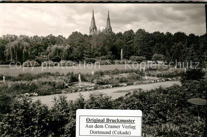 AK / Ansichtskarte Goeppingen Parkanlagen mit Blick zur Oberhofenkirche Goeppingen