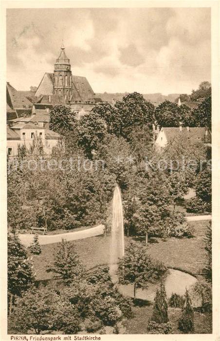 AK / Ansichtskarte Pirna Friedenspark mit Stadtkirche Pirna 0