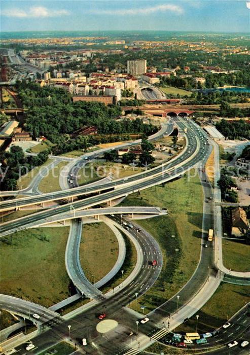 AK / Ansichtskarte Autobahn Berlin Stadtautobahnverteiler Avus Fliegeraufnahme