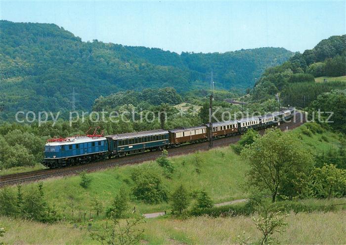 AK / Ansichtskarte Eisenbahn Elektro Schnellzug Lokomotive E18047 Eisenbahn