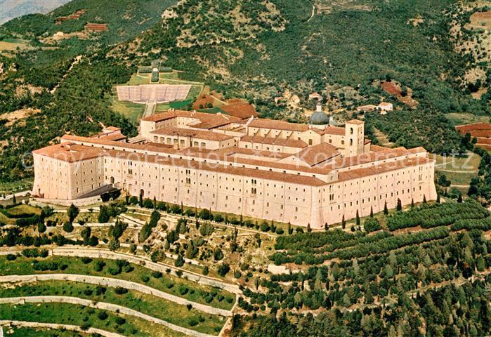 AK / Ansichtskarte Montecassino Abbazia vista dall aereo Kloster Fliegeraufnahme Montecassino 0