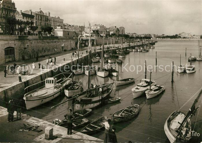 AK / Ansichtskarte Royan_Charente Maritime Le Port Royan Charente Maritime