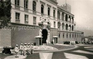 AK / Ansichtskarte Monaco Releve de la garde au Palais de SAS le Prince de Monaco Monaco