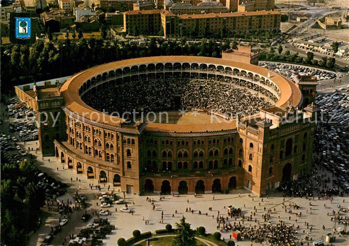 AK / Ansichtskarte Madrid_Spain Plaza de Toros Stierkampfarena Fliegeraufnahme Madrid Spain