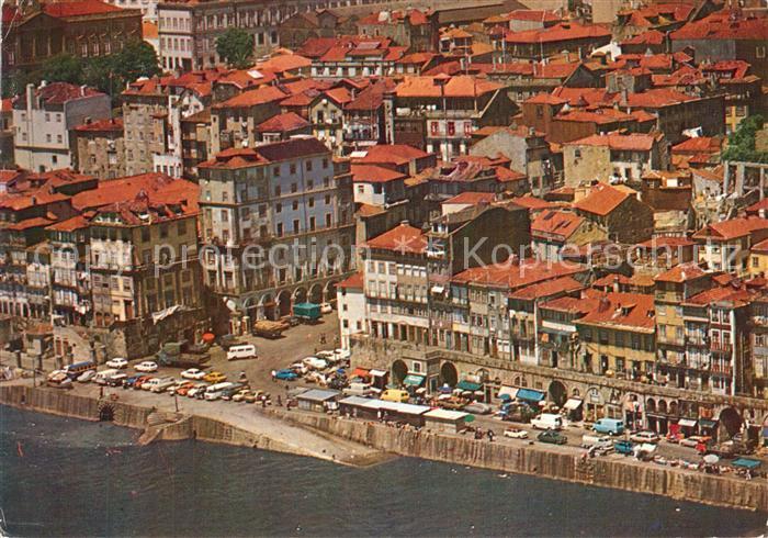 Porto_Portugal Cais da Ribeira vista aerea Porto Portugal