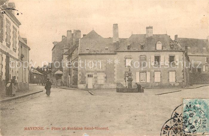 AK / Ansichtskarte Mayenne Place et Fontaine Saint Vincent Mayenne 0