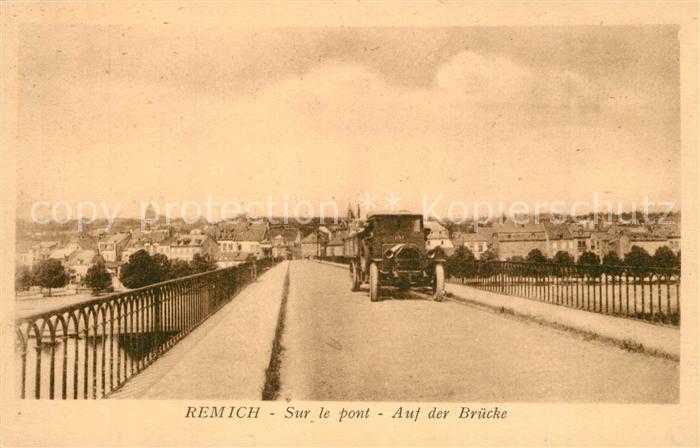AK / Ansichtskarte Remich Sur le pont Voiture Remich