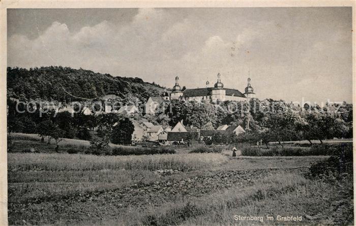 AK / Ansichtskarte Sternberg_Grabfeld Blick ueber die Felder zum Ort mit Schloss Sternberg Grabfeld 0