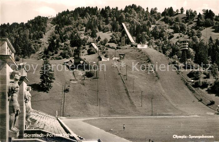AK / Ansichtskarte Ski Flugschanze Olympia Sprungschanze Garmisch Partenkirchen