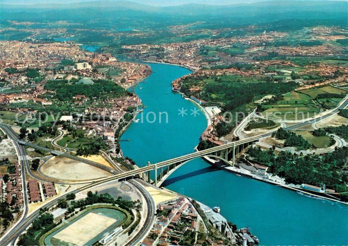 AK / Ansichtskarte Porto_Portugal Fliegeraufnahme Ponte de Arrabida e do Doura Porto Portugal