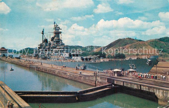 AK / Ansichtskarte Panama_City_Panama Battleship USS Missouri in Pedro Miguel Locks Panama Canal Panama_City_Panama