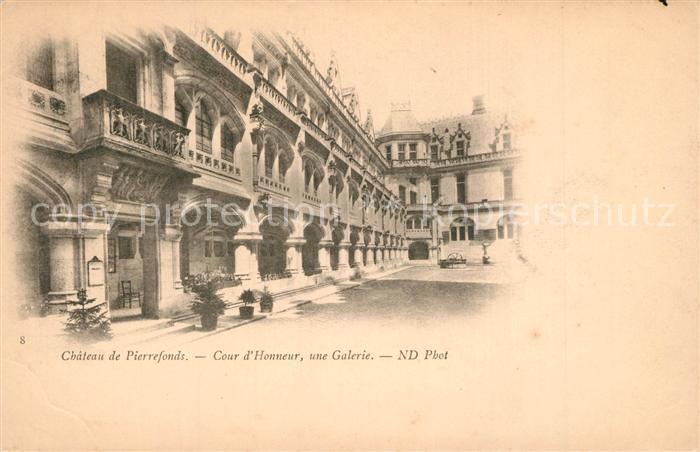 AK / Ansichtskarte Pierrefonds_Oise Chateau Cour d Honneur Galerie Pierrefonds Oise 0