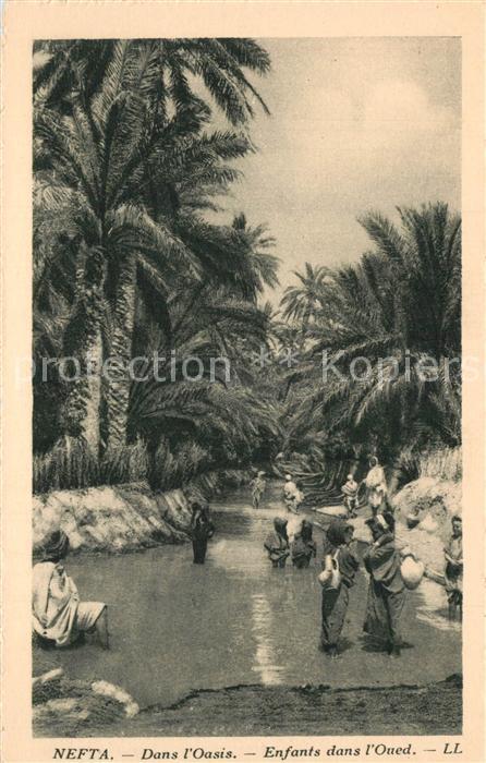 AK / Ansichtskarte Nefta Dans Oasis Enfants dans Oued Nefta
