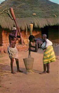 Guinea Bissau Pilando arroz Inselbewohner Guinea Bissau