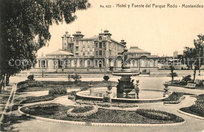 AK / Ansichtskarte Montevideo_Uruguay Hotel y Fuente del Parque Rodo Montevideo Uruguay