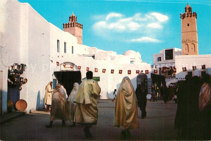 AK / Ansichtskarte Kairouan_Qairawan La Rue principale Kairouan Qairawan