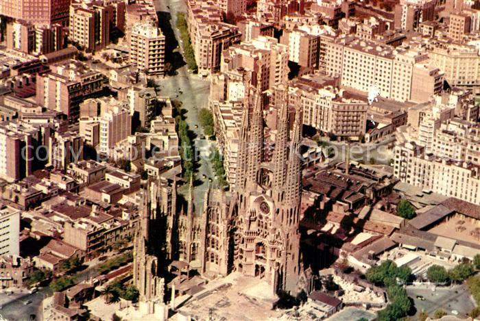 AK / Ansichtskarte Barcelona_Cataluna Fliegeraufnahme Kirche der heiligen Familie Barcelona Cataluna