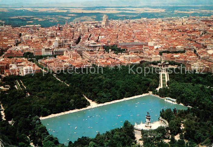 AK / Ansichtskarte Madrid_Spain Estanque del Retiro vista aerea Madrid Spain