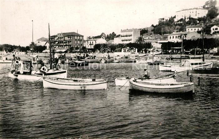 AK / Ansichtskarte Le_Lavandou Quai des pecheurs des bateaux Cote d Azur Le_Lavandou