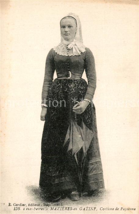 AK / Ansichtskarte Mazieres en Gatine Costume de Paysanne Trachten Mazieres en Gatine