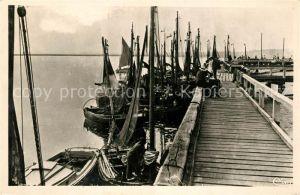 AK / Ansichtskarte Le_Crotoy Le Port et la Jetee des bateaux Le_Crotoy