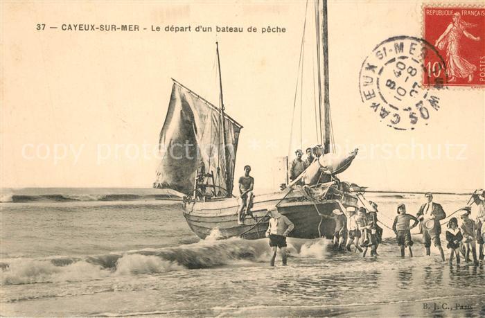AK / Ansichtskarte Cayeux sur Mer Le depart d un bateau de peche Cayeux sur Mer