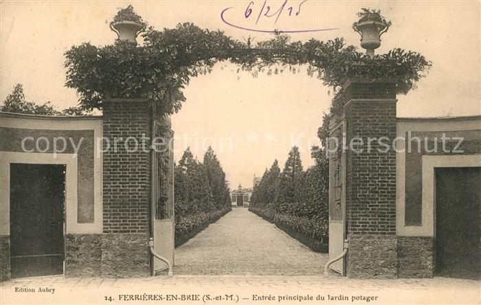 AK / Ansichtskarte Ferrieres_Charente Maritime Entr?e principale du Jardin Potager Ferrieres