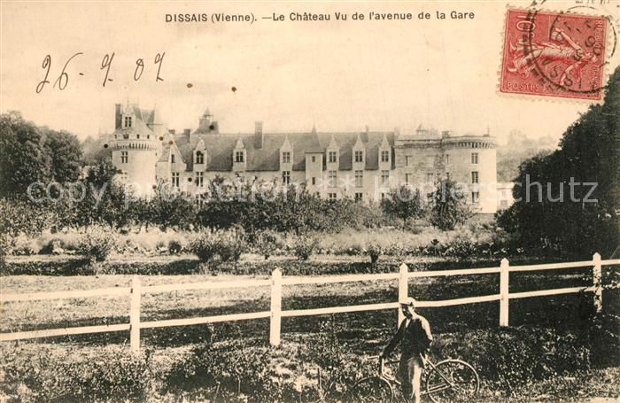 AK / Ansichtskarte Mareuil sur Lay Dissais Le Chateau Vu de l'avenue de la Gare Mareuil sur Lay Dissais 0