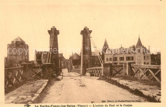 AK / Ansichtskarte La_Roche Posay Entree du Pont et le Donjon La_Roche Posay