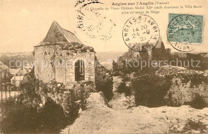 AK / Ansichtskarte Angles sur l_Anglin La Chapelle du Vieux Chateau feodal dominant la Ville Basse prise ent temps de Neige Angles sur l_Anglin